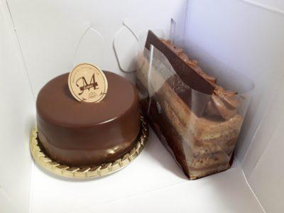 ロータスMのケーキ