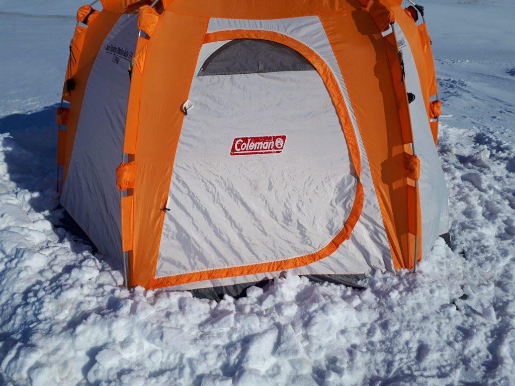 テントの設営完了。